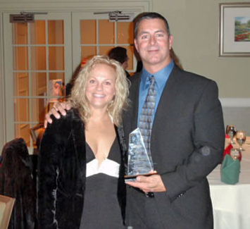 Richard Cannavino and his wife, Sharon, showing off the 2007-2008 Home Builder of the Year award.