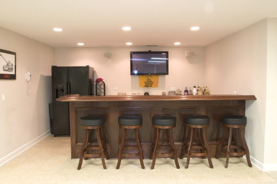 basement bar 3
